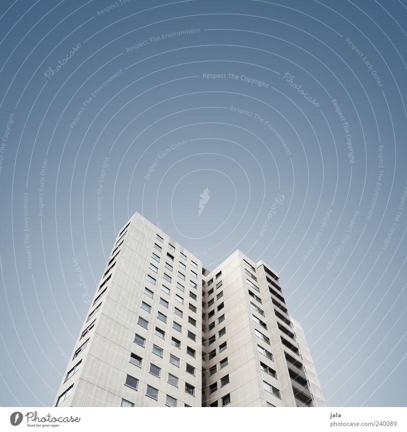 hochhaus Himmel Haus Hochhaus Bauwerk Gebäude Architektur Farbfoto Außenaufnahme Menschenleer Textfreiraum links Textfreiraum rechts Textfreiraum oben