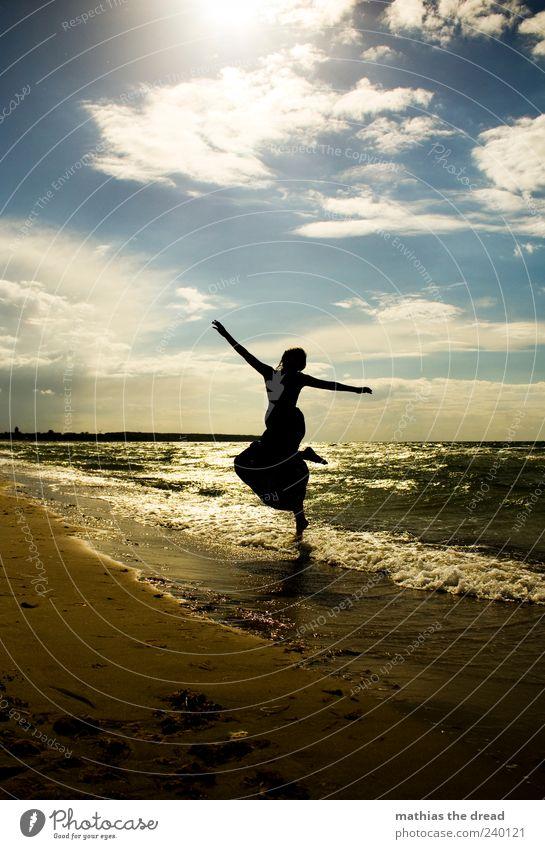 XVI Mensch Himmel Natur Jugendliche schön Pflanze Sommer Strand Freude Wolken Erwachsene Ferne Umwelt Landschaft feminin Bewegung