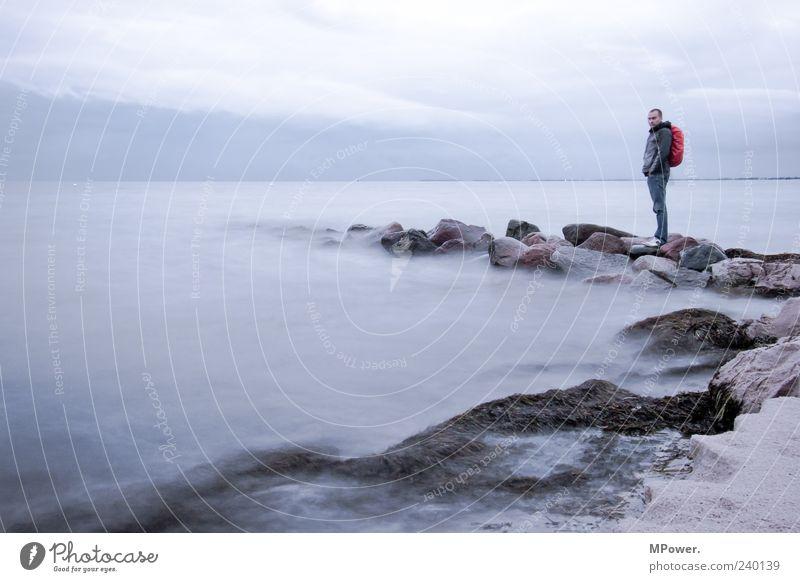 Fehmarn II Mensch Mann Wasser Meer Strand Einsamkeit Wolken Ferne Küste grau Sand Stein träumen Horizont Regen Felsen