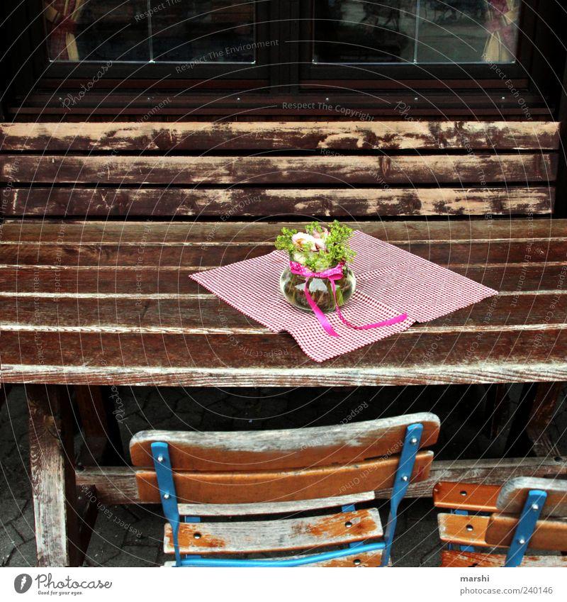 Biergarten Blume Erholung Holz braun Freizeit & Hobby Tisch Dekoration & Verzierung Stuhl Möbel verwittert Vase Tischwäsche Gastronomie rustikal