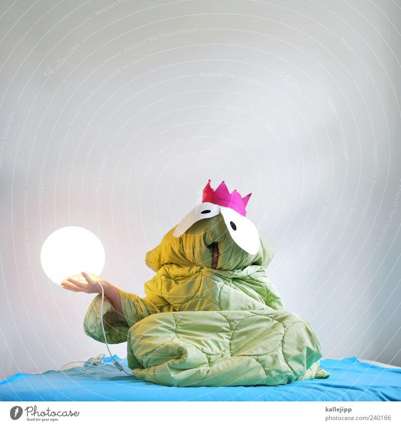 es war einmal ... Mensch Mann grün Tier Erwachsene lustig Lampe Kunst außergewöhnlich sitzen maskulin leuchten Elektrizität Macht Kultur Ball