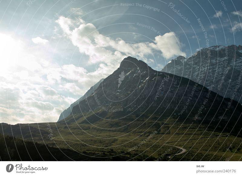Morgenstund... Landschaft Himmel Wolken Sonne Sonnenlicht Sommer Schönes Wetter Alpen Berge u. Gebirge Karwendelgebirge Birkkar Spitz Kalkalpen Gipfel