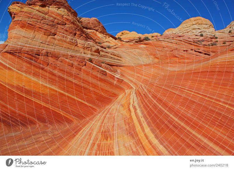 sharp turn Ferien & Urlaub & Reisen Tourismus Natur Landschaft Felsen Wüste Stein außergewöhnlich blau braun rot Fernweh bizarr einzigartig Naturwunder