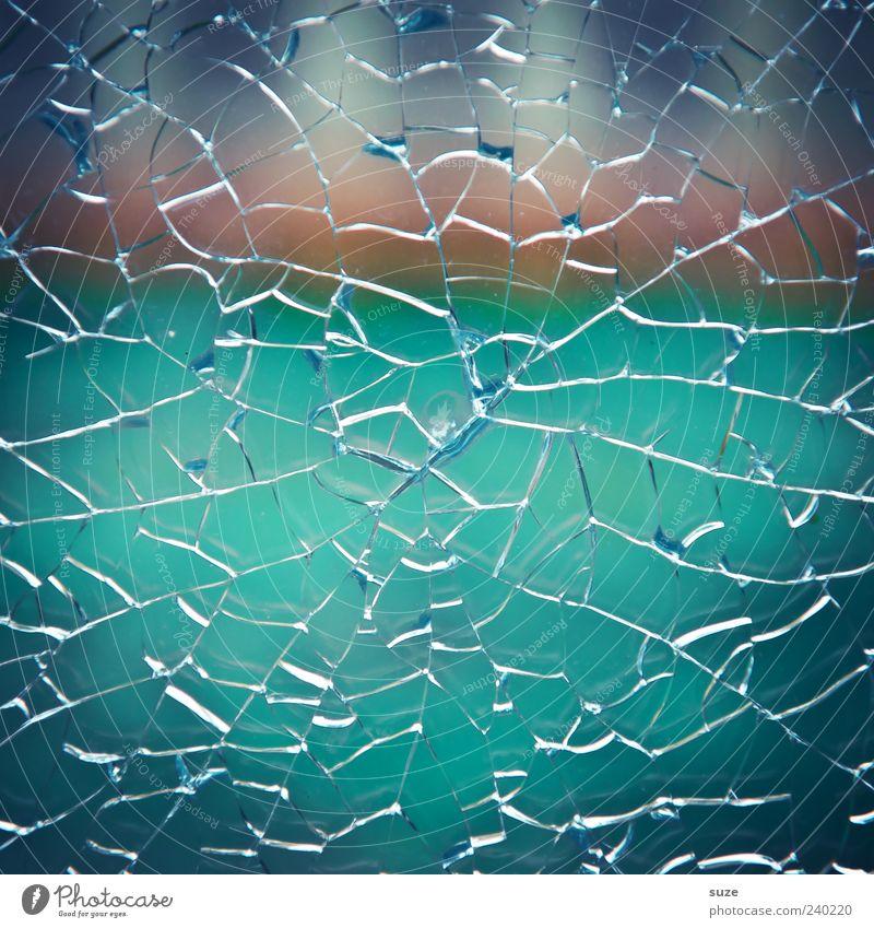 Glückstreffer blau springen Linie Glas kaputt Sicherheit Riss gebrochen Zerstörung Desaster Aggression gerissen Glasscheibe Vandalismus abstrakt Sicherheitsglas