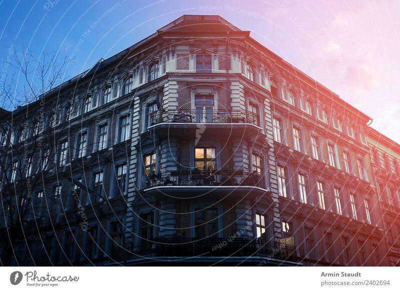 Kafkas Schloss Sommer Stadt Haus Lifestyle Berlin Stil Tourismus außergewöhnlich Fassade Stimmung Häusliches Leben Wohnung Zufriedenheit retro groß historisch