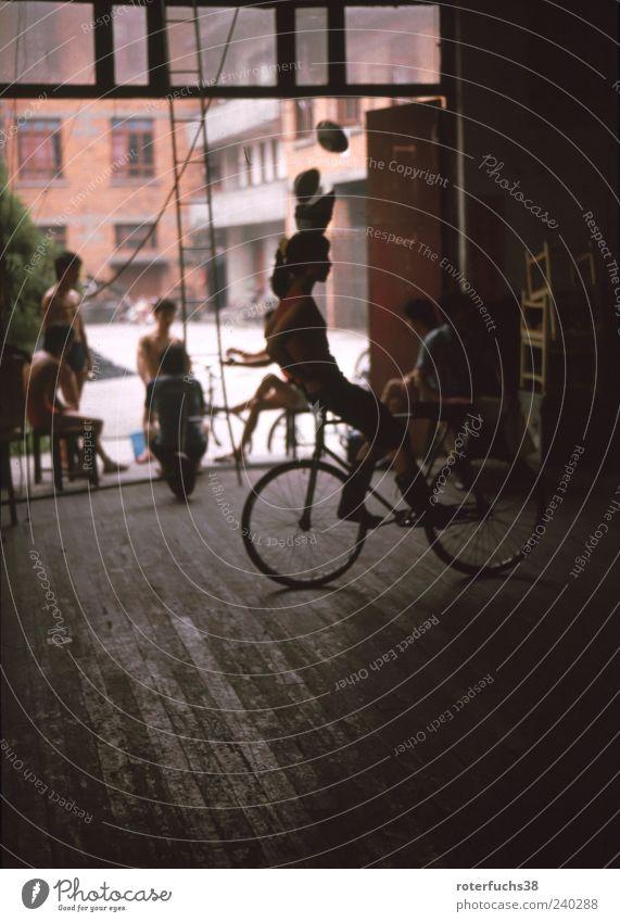 Akrobat China Chengdu 1989 Mensch Frau Jugendliche Ferien & Urlaub & Reisen Erwachsene Leben Bewegung Menschengruppe Kunst Fahrrad maskulin außergewöhnlich