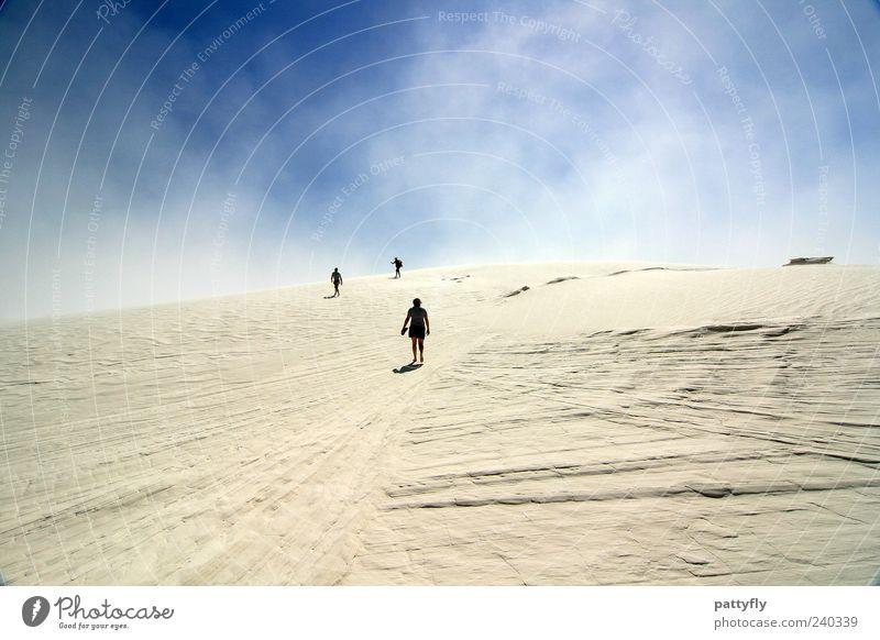 hinauf... Natur Himmel Sommer Ferien & Urlaub & Reisen Wolken Menschengruppe Sand Landschaft Stimmung Zusammensein gehen Wind laufen Erde Abenteuer Ziel