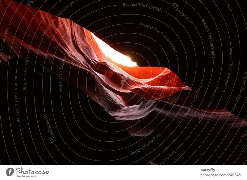 Shadow... Natur schön rot Umwelt Urelemente fantastisch Sehenswürdigkeit Lichtspiel Gegenlicht Durchbruch Naturphänomene Gesteinsformationen Lichtblick