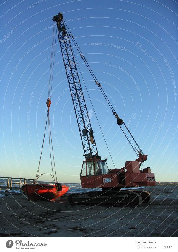 am haken Himmel blau rot Wasserfahrzeug Metall Technik & Technologie Stahl Ostsee Kran Verlauf Elektrisches Gerät