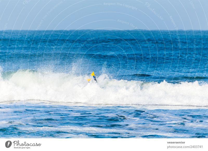 abtauchen Natur blau Meer Freude gelb Sport Bewegung Schwimmen & Baden wild leuchten frei Wellen Lebensfreude nass Coolness entdecken