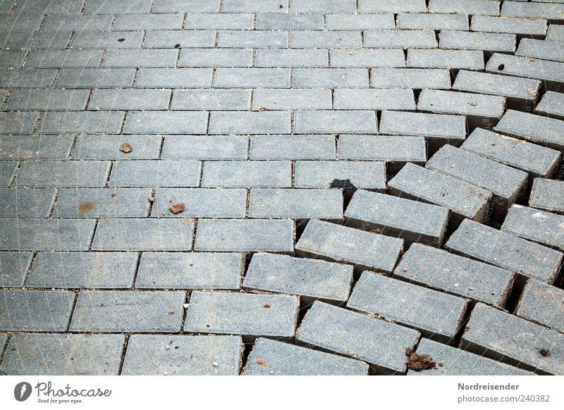 Wegbrechen Baustelle Verkehrswege Wege & Pfade Beton bauen grau Pflastersteine Bruch Bruchstelle beweglich Farbfoto Außenaufnahme Muster Strukturen & Formen