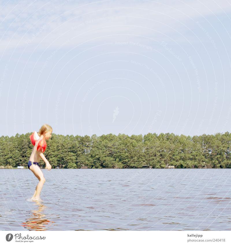 jesus Mensch Kind Natur Baum Sommer Umwelt Leben Spielen Küste springen See Schwimmen & Baden Wellen Kindheit Mut Schwimmhilfe