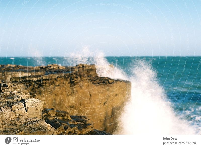 Ne Welle machen Natur Ferien & Urlaub & Reisen Meer Ferne Küste Freiheit Horizont Wellen Felsen Insel nass Ausflug Bucht Sturm Dynamik Fernweh