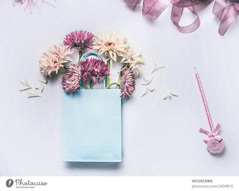 Blumenstrauß in Geschenktüte blau Blatt Hintergrundbild Blüte Stil Feste & Feiern rosa Design Dekoration & Verzierung Geburtstag kaufen Hochzeit schreiben