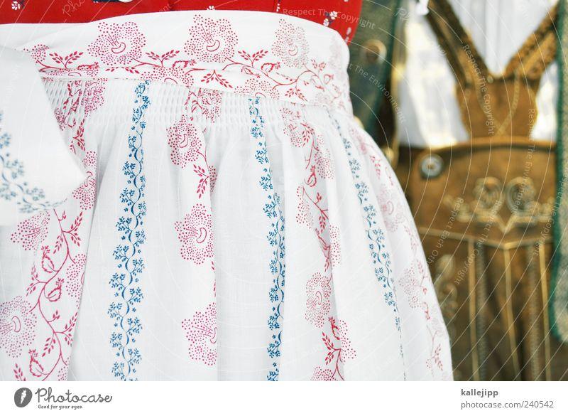 unterm dirndl wird gejodelt Mensch Frau Mann Erwachsene Stil Paar elegant Lifestyle Partner Bayern Tradition ländlich Deutsch Tracht Kultur typisch