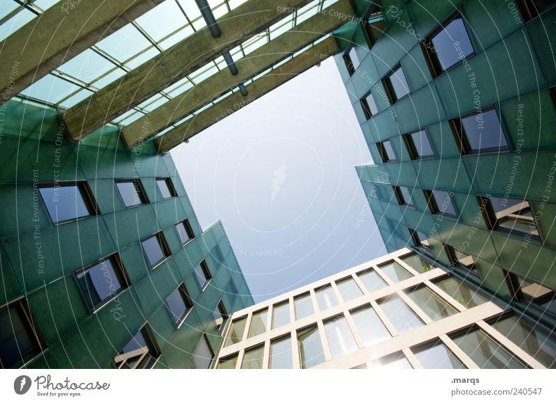 T Bankgebäude Gebäude Architektur Fassade Fenster Perspektive Symmetrie himmelwärts Farbfoto Außenaufnahme Menschenleer Textfreiraum Mitte Froschperspektive