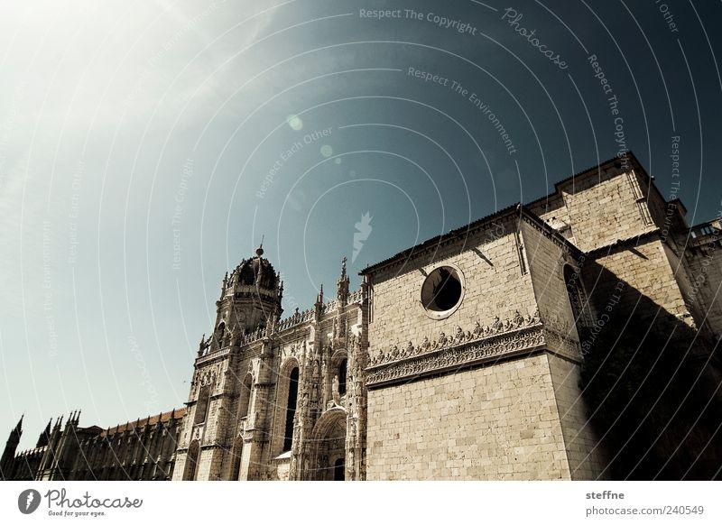 Steffne, der Klosterschüler Himmel Sonnenlicht Sommer Schönes Wetter Lissabon Portugal Altstadt Kirche Architektur Sehenswürdigkeit Hieronymuskloster alt