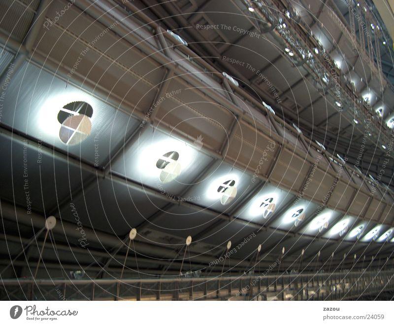 raumschiffartige Hallendecke oben Architektur Dach Lagerhalle Decke UFO Messehalle Star Trek