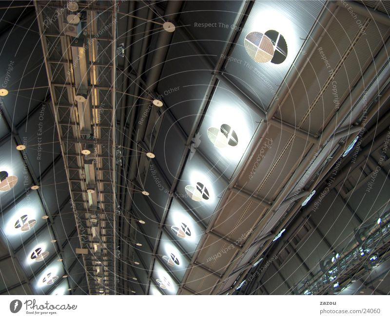 Dachkonstruktion oben Architektur modern Lagerhalle Decke UFO Messehalle