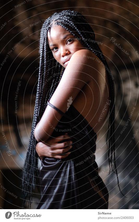 418 [beauty] exotisch schön Student feminin Junge Frau Jugendliche Mensch 18-30 Jahre Erwachsene Jugendkultur Unterwäsche schwarzhaarig langhaarig Afro-Look