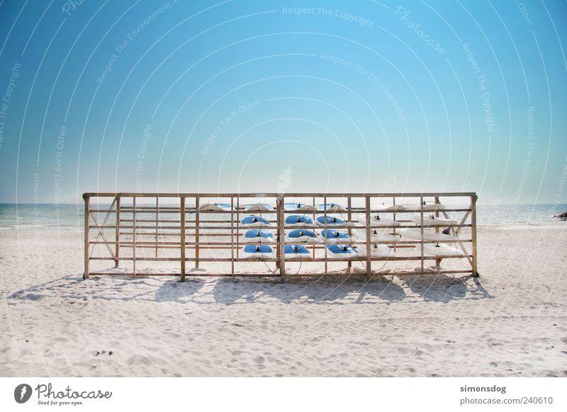 ab in den urlaub! Schwimmen & Baden Sand Wasser Himmel Küste Strand Erholung Ferien & Urlaub & Reisen Freizeit & Hobby Horizont Surfbrett Meer Idylle Lagerplatz
