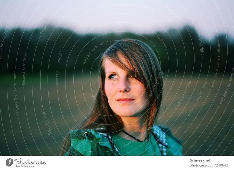 Abendsonne Wohlgefühl Zufriedenheit ruhig Mensch feminin Junge Frau Jugendliche Erwachsene Leben Kopf Haare & Frisuren Gesicht Auge Nase Mund 1 18-30 Jahre