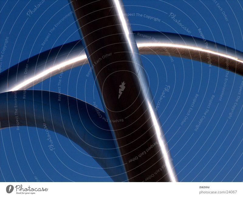 Rohre am Himmel Skulptur Stab Architektur Metall Kreis Olympiade kompliziert