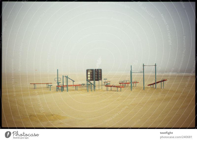 freizeitpark (analoge version) Tourismus Ausflug Strand Meer Sportstätten Umwelt Natur Landschaft Wasser Nebel trist Erholung Turnen Sand Küste Coney Island
