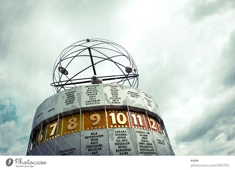 Zeitzone Himmel blau Wolken Umwelt Berlin Kunst Deutschland Wetter Uhr Tourismus Europa Ziffern & Zahlen rund Zeichen Bauwerk