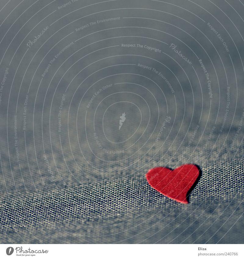Herzig blau rot Einsamkeit Stoff Zeichen Sympathie Makroaufnahme Gefühle