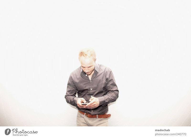 Dein Foto wurde gerebloggt Mensch Mann Erwachsene Leben Stil Kraft blond elegant Design modern Lifestyle Coolness Kommunizieren Telekommunikation Internet