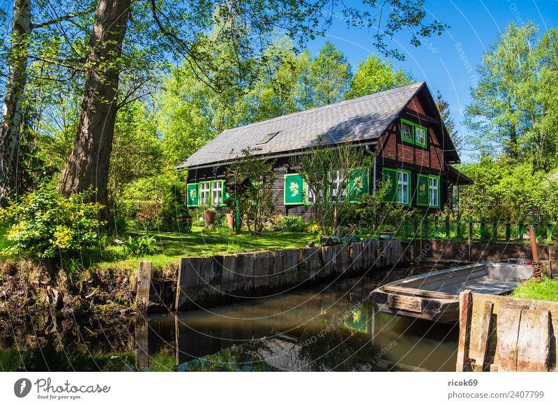 Gebäude im Spreewald in Lehde Natur Ferien & Urlaub & Reisen alt grün Wasser Landschaft Baum Erholung Haus ruhig Wald Architektur Umwelt Frühling Tourismus
