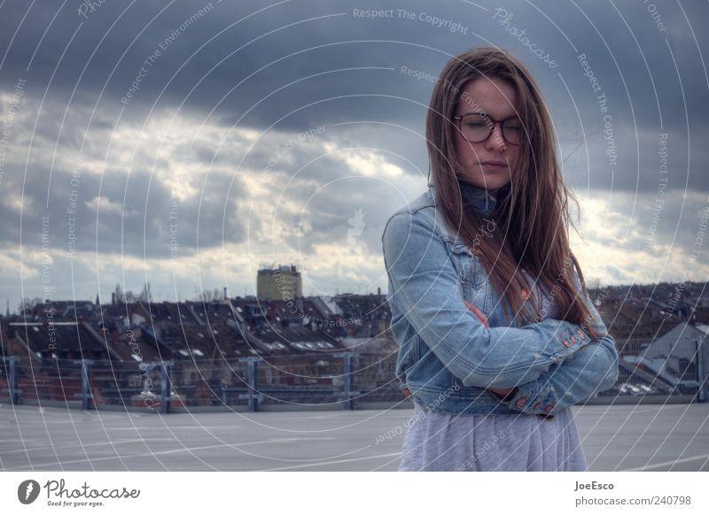 #240798 Frau Stadt schön Einsamkeit Erwachsene Erholung dunkel Traurigkeit träumen blond geschlossen natürlich warten 18-30 Jahre Hoffnung Brille