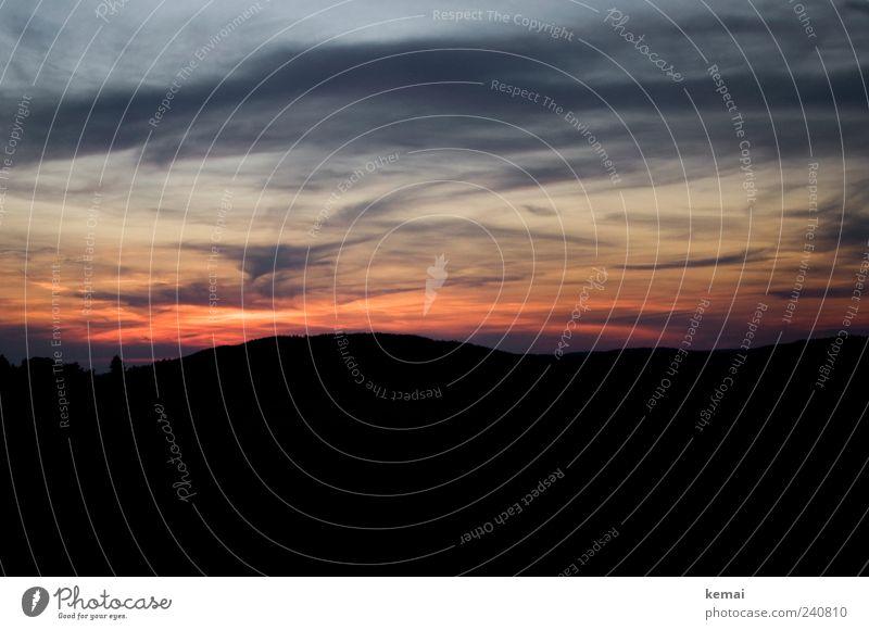 Es wird Abend Umwelt Natur Landschaft Himmel Wolken Nachthimmel Sonnenlicht Sommer Klima Schönes Wetter Hügel dunkel schwarz Sonnenuntergang Abenddämmerung