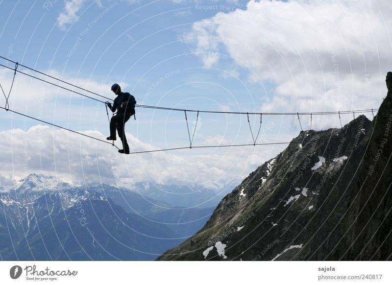 auf luftigen wegen Mensch Himmel Natur Ferien & Urlaub & Reisen Mann Sommer Landschaft Wolken Umwelt Berge u. Gebirge Sport gehen Felsen maskulin