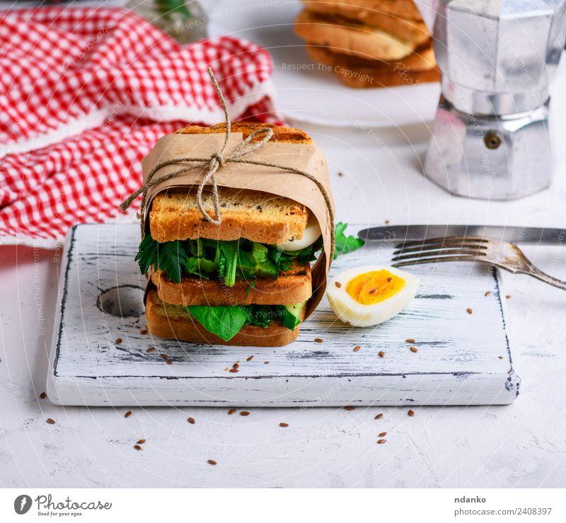 grün weiß Speise Essen braun frisch Tisch kochen & garen lecker Gemüse Frühstück Essen zubereiten Brot Abendessen Fleisch Messer