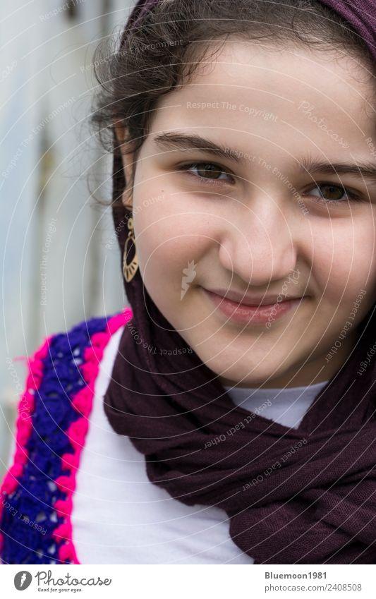 Kind Mensch Jugendliche Farbe schön weiß Einsamkeit Mädchen Gesicht Lifestyle Religion & Glaube natürlich feminin Stil Glück Mode