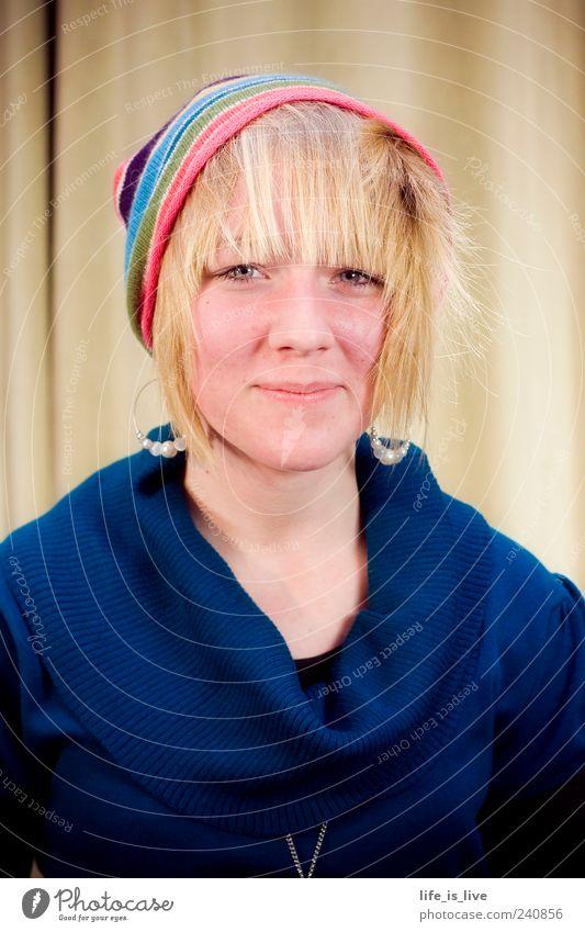 willkürlich_0 Jugendliche Gesicht feminin Leben Haare & Frisuren Mode Junge Frau Zufriedenheit blond natürlich 18-30 Jahre authentisch Fröhlichkeit leuchten