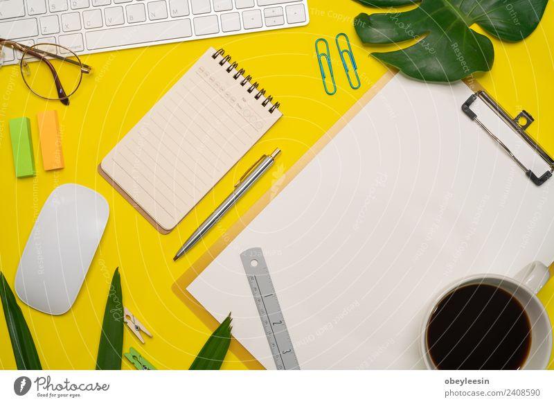 Minimaler Arbeitsbereich, Draufsicht Flachlegung Design Schreibtisch Schule Arbeit & Erwerbstätigkeit Büro Kunst Mode modern oben schwarz Farbe Kreativität