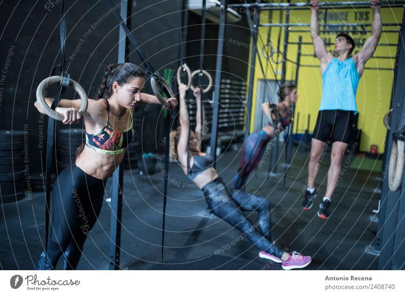 Frau Mensch Mann Erwachsene Sport Aktion Fitness stark Sport-Training Club anstrengen Disco Muskulatur üben Sporthalle