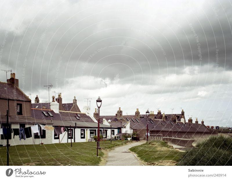 Fittie Ferien & Urlaub & Reisen Tourismus Ausflug Sightseeing Häusliches Leben Haus Garten Natur Himmel Wolken Klima Gras Aberdeen Schottland Dorf Fischerdorf