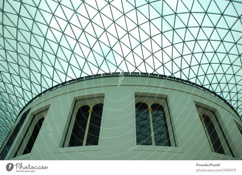 London Calling weiß Architektur Gebäude Kunst Europa Dach Bauwerk Denkmal Sehenswürdigkeit Museum aufwärts Sightseeing Städtereise Anschnitt London Bildausschnitt