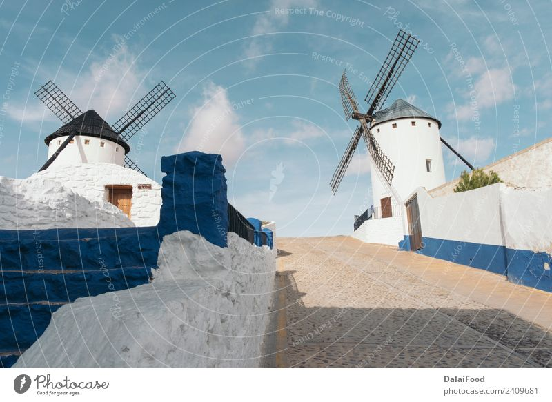 campo de criptana (Spanien Landschaft) Ferien & Urlaub & Reisen Tourismus Sommer Natur Himmel Wind Gebäude Architektur Straße alt authentisch blau schwarz weiß