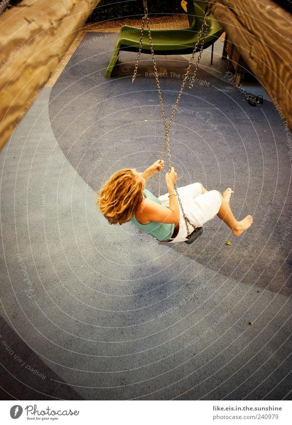 wooohoooow Freizeit & Hobby Spielen Junge Frau Jugendliche Erwachsene 1 Mensch 18-30 Jahre blond blau Freude Fröhlichkeit Lebensfreude Schaukel schaukeln
