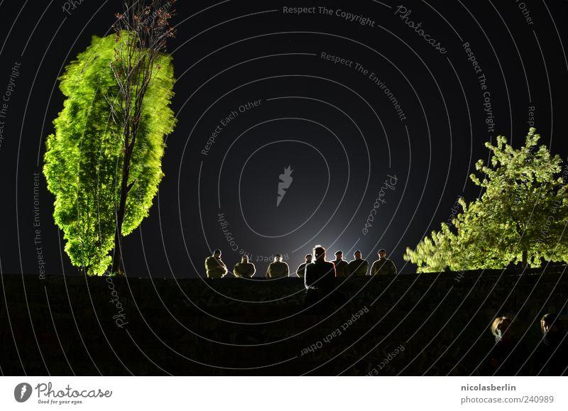 Watchdogs Mensch Natur Menschengruppe Stimmung stehen Kontrolle Polizist Nachthimmel Polizei Überwachung Politik & Staat bewachen Einsatz