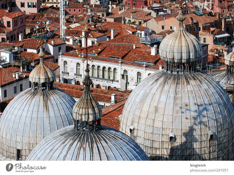 Basilica di San Marco / Venedig V Italien Europa Stadt Hafenstadt Stadtzentrum Altstadt Menschenleer Kirche Dom Sehenswürdigkeit San Marco Basilica braun grau
