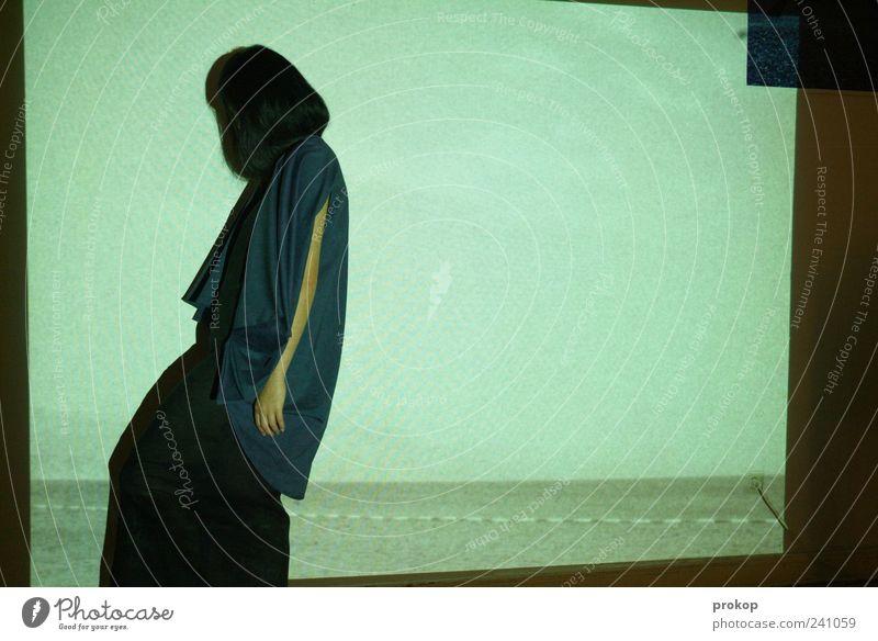 Übertrieben. Mediterran. elegant Stil Mensch feminin Junge Frau Jugendliche Erwachsene 1 18-30 Jahre Kleid Haare & Frisuren schwarzhaarig stehen dünn schön