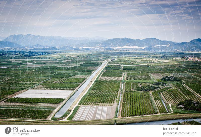 Neretva Delta in Kroatien Himmel Natur blau Wasser Ferien & Urlaub & Reisen grün Einsamkeit Landschaft Berge u. Gebirge Stimmung Wetter Feld Klima authentisch