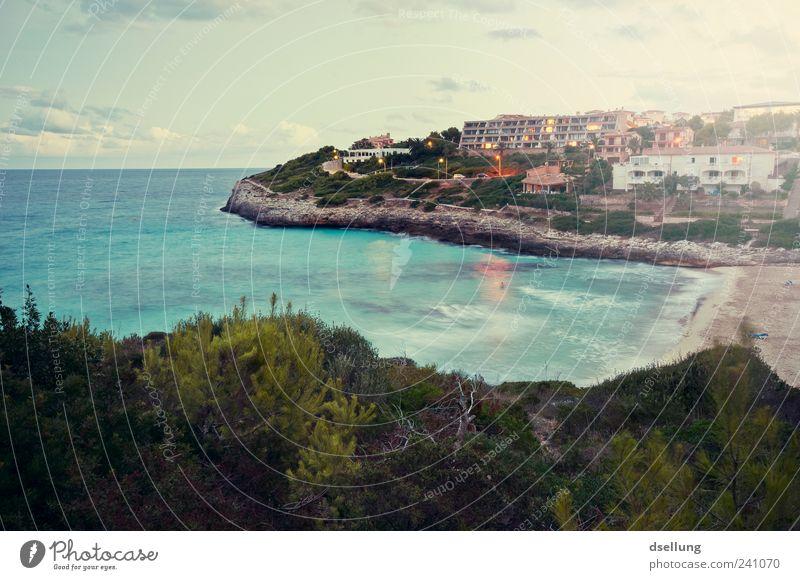 Mallorca XI schön Meer grün blau Pflanze Strand Ferien & Urlaub & Reisen Landschaft braun orange Küste Wellen Insel Sträucher Bucht Schönes Wetter