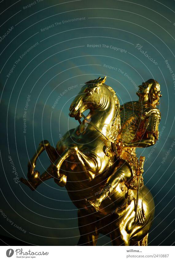 Der Goldene Reiter in Dresden-Neustadt Goldener Reiter Denkmal Goldener Reiter - Denkmal Reiterstandbild Pferd glänzend historisch gold Sachsen König Kurfürst